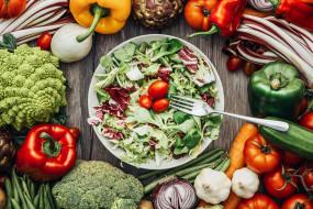 вилка, салат, помидоры, перец, овощи