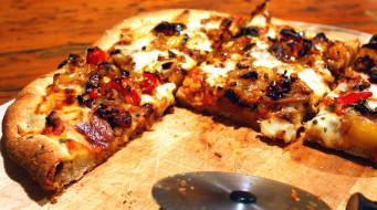 поджаристая, пицца