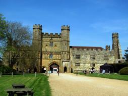 UK, Battle, Sussex, Battle Abbey Gatehouse