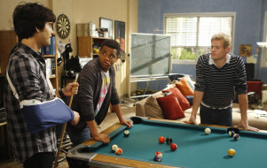кино фильмы, 90210, тэдди, кий, разговор, навид, диксон, гипс, парни, beverly, hills, бильярд