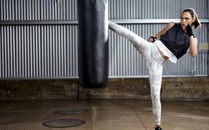 модель, каратэ, боксерская груша, фотосессия, reebok, израильская актриса, гал гадот
