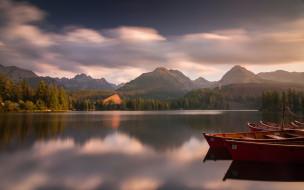 лес, лодки, горы, природа, пейзажи, озеро, вода