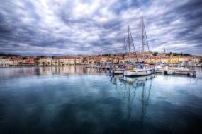Хорватия, берег, поселок, тучи, яхты, море