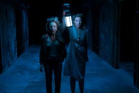 astral 4,  the last key, кино фильмы, insidious, женщины, фонарь, коридор, ужастик