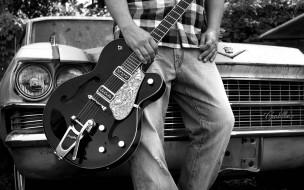 машина, гитара, человек
