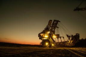 московская область, тяжелая техника, нефтяное месторождение, карьерный экскаватор, шагающий, гигантская техника