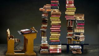 парта, книги