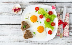еда, Яичные блюда, глазунья, яичница, хлеб, помидоры, черри