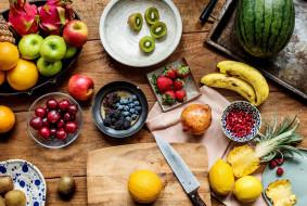 еда, фрукты,  ягоды, арбуз, стол, киви, гранат, черешня, ягоды, ананас, банан, яблоки, клубника