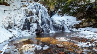 река, камни, снег