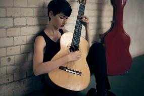 музыка, -другое, футляр, стена, гитара, девушка
