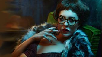 темный фон, очки, сигарета