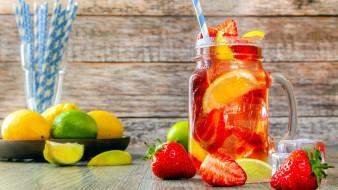 цитрусы, клубника, лимонад