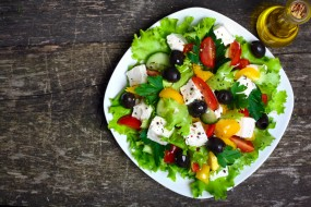 салат, масло, маслины, сыр, помидоры