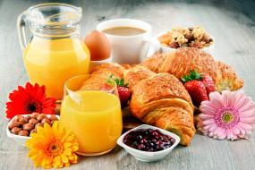 еда, разное, орехи, сок, клубника, кофе, круассаны, джем