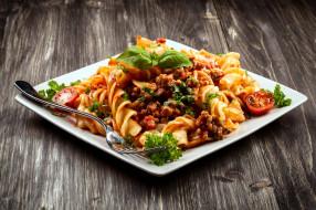 спиральки, макароны, базилик, паста, соус