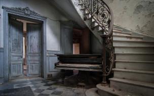 помещение, лестница, пианино