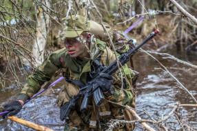 Norwegian Army, солдат, лужа, оружие
