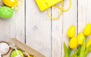 tender, Happy, pastel, decoration, eggs, Easter, spring, tulips, wood, yellow, тюльпаны, Пасха