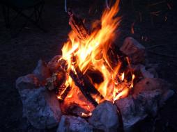 костер, дрова, пламя