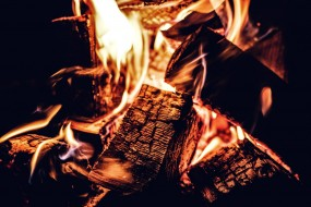 дрова, пламя