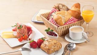 ягоды, кофе, завтрак, сыр, клубника, сок, хлеб, выпечка, breakfast, ветчина