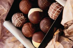 конфеты, коробка, шарики
