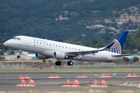 embraer erj-175, авиация, пассажирские самолёты, авиалайнер