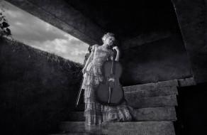 ступени, взгляд, девушка, виолончель