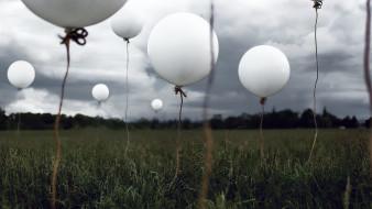 поле, тучи, небо, воздушные шары