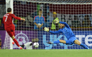 спорт, футбол, вратарь, ворота, гол, рональдо, мяч