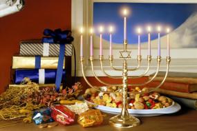 праздничные, другое, свечи, ханука, окно, угощения, подарки, книги, подсвечник