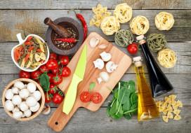 макароны, шпинат, грибы, помидоры, масло