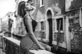 marco squassina, монохромный, wallhaven, платье, сидя, портрет, закрытые глаза