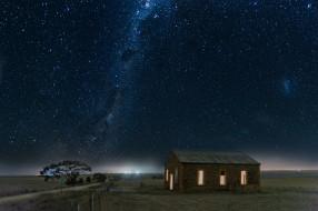 деревья, горизонт, огни, ночь, звёзды, галактика, поле, пейзаж, космос, дом, свет, млечный путь