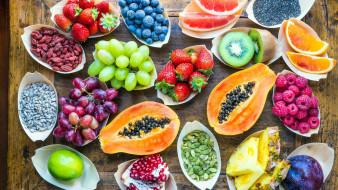 виноград, киви, малина, клубника, папайя