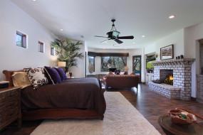 вентилятор, кровать, окна, камин, диван