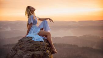 женщины на открытом воздухе, wallhaven, панорама, модель, камень, пейзаж, блондинка