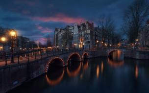 дома, огни, свет, канал, Амстердам, город, вечер, мостики