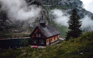 горы, костел, туман