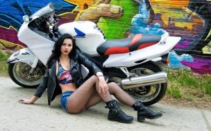 мотоциклы, мото с девушкой, фон, взгляд, девушка