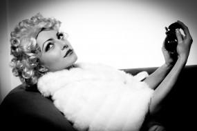 обои для рабочего стола 2808x1872 -Unsort Блондинки, девушки, unsort, блондинки, парфюм, парик
