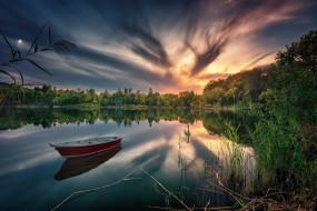 лебедь, лодка, отражение, озеро, лес, закат