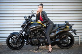 500px, модель, брюнетка, yamaha, смотрит на зрителя, леггинсы, мотоцикл, конский хвостик, wallhaven
