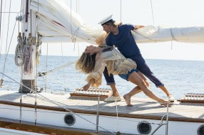 Jeremy Irvine, Lily James, девушка, яхта, мужчина