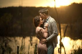 объятия, пара, мужчина, платье, романтика, река, девушка, влюбленные