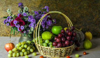 виноград, груши, яблоки