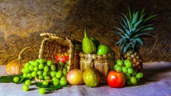 ананас, виноград, яблоки