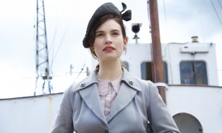 кино фильмы, the guernsey literary and potato peel pie society, the, guernsey, literary, and, potato, peel, pie, society, актриса, пальто, корабль, шляпа, lily, james, juliet, ashton