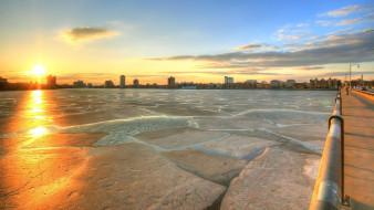 небо, озеро, лёд, рассвет, солнце, облака, мост, город